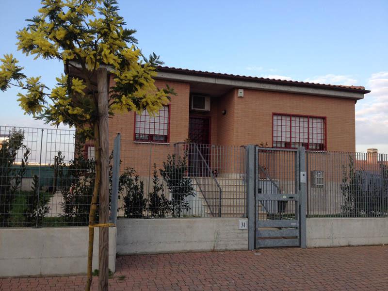 Iv municipio casa del custode della scuola uruguay tolta - Custode con alloggio ...